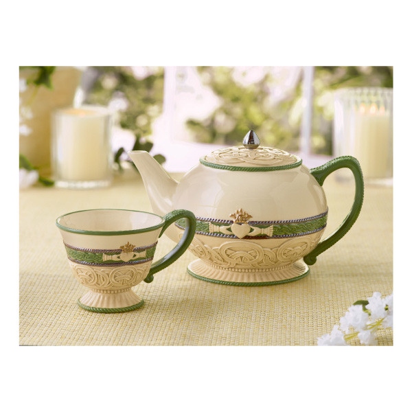 Claddagh-Teapot-and-Tea-Cups